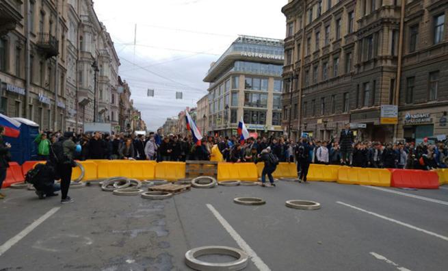 Картинки по запросу «Хомяки» Навального устроили провокацию 5 мая