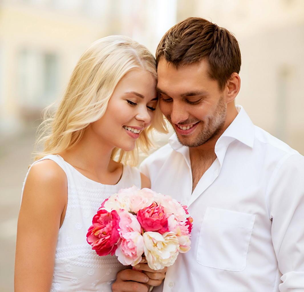 Красивые картинки женщина и мужчина цветы