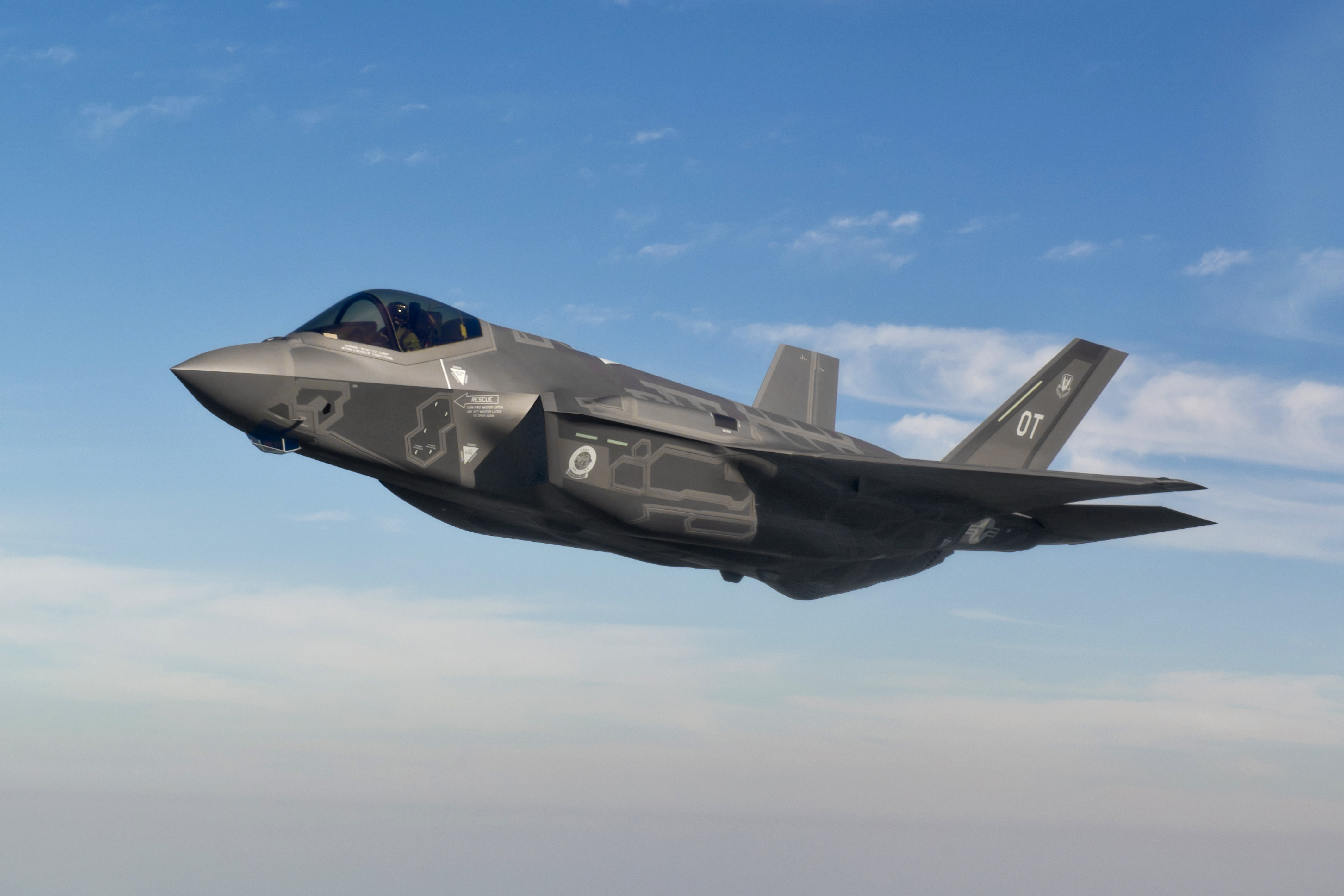 Французские Rafale «пощупают» хваленый F-35 в небе над Соединенными Штатами