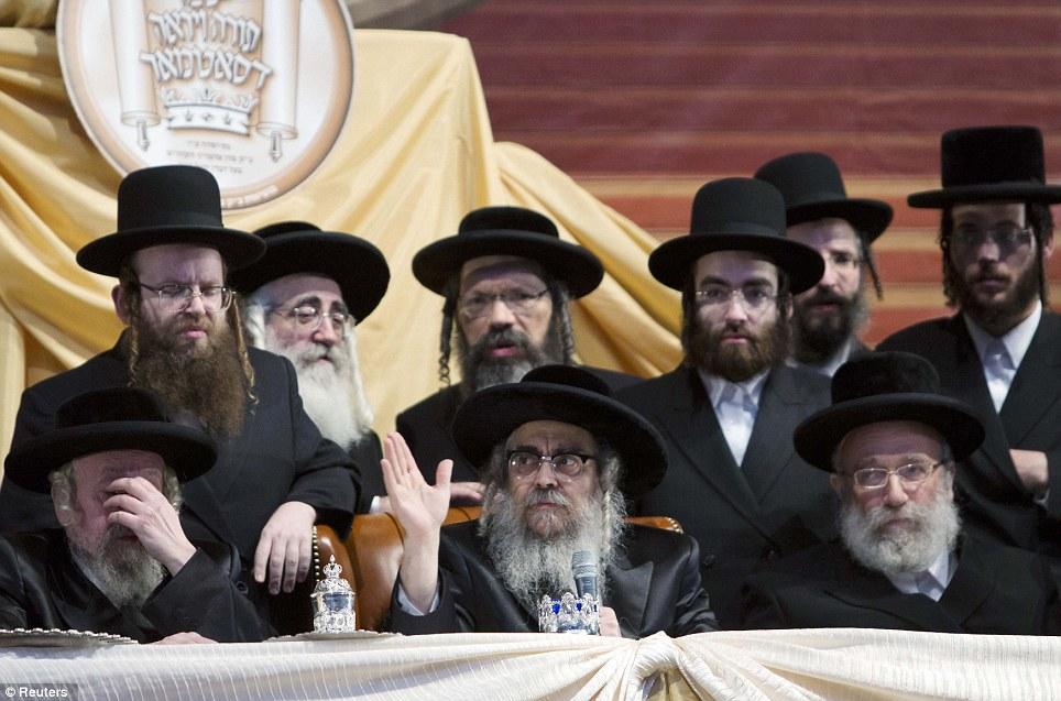 первый картинки про иудей многих