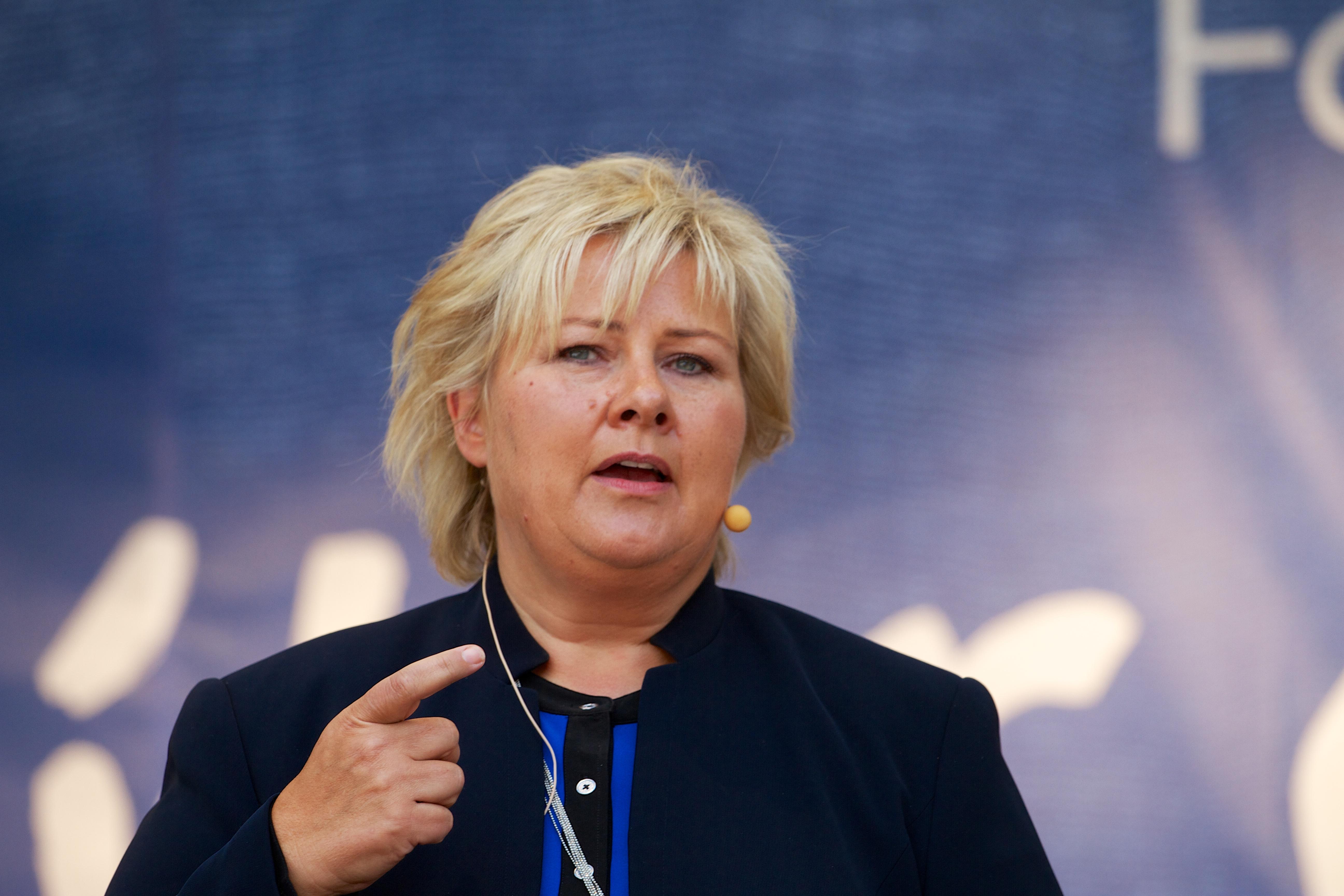 премьер министр норвегии эрна сульберг фото
