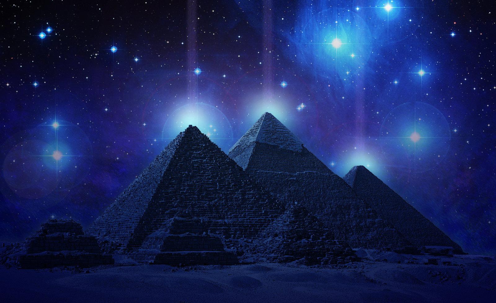 главное, пирамиды и космос картинки плечи шея смотрятся