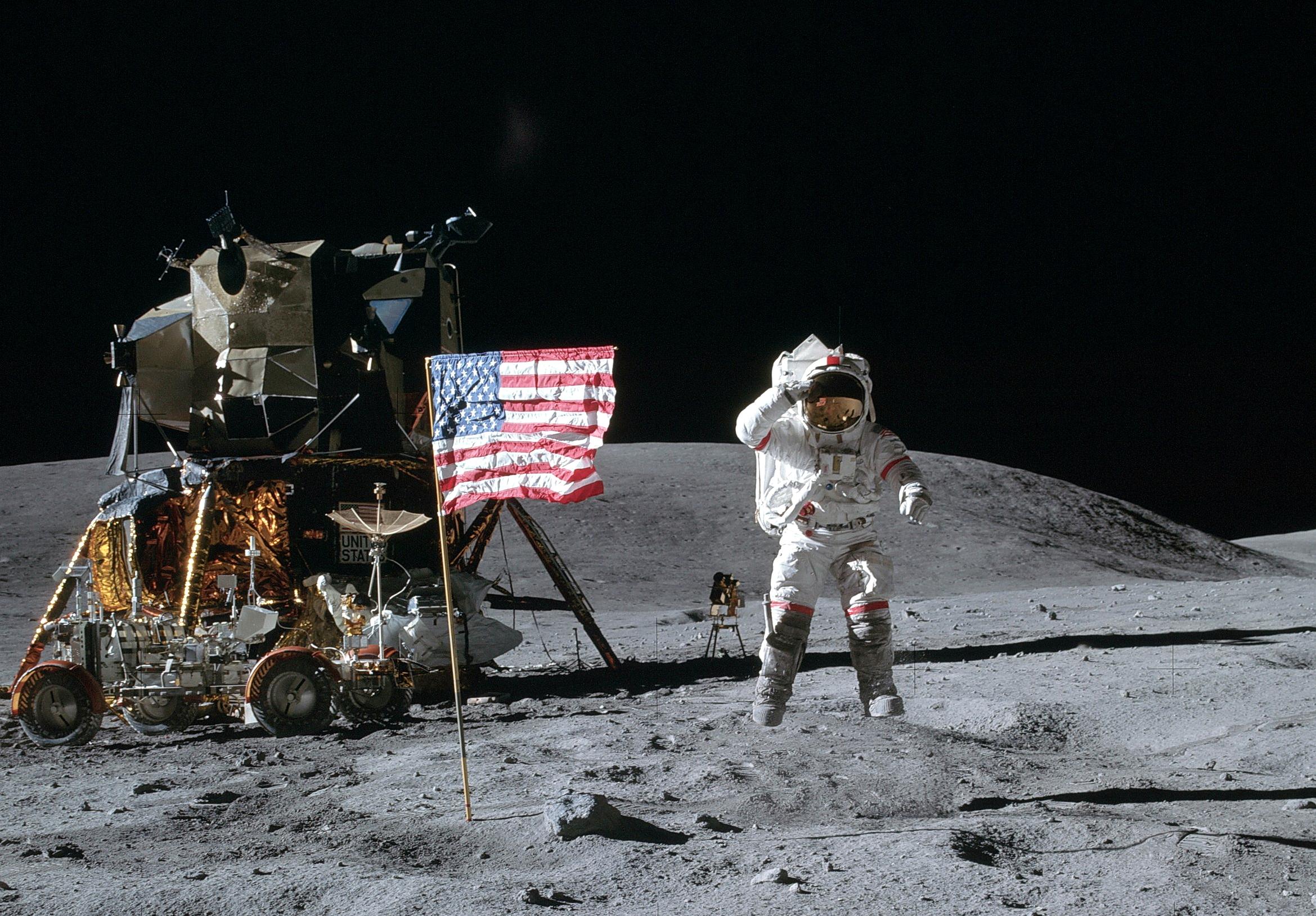 постсоветский фотографии астронавтов побывавших на луне называемый