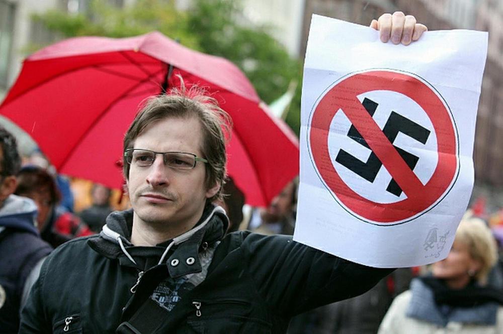ЕСПЧ решит не нарушает ли «свободу слова» запрет пропаганды нацизма в России