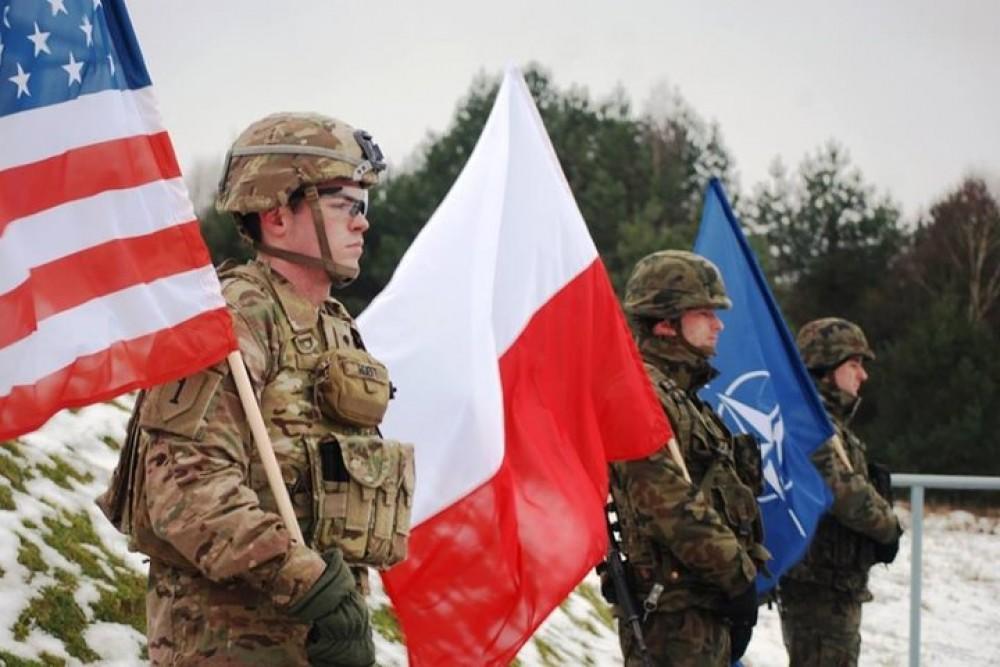 НАТО продолжает нагнетать обстановку у границ России
