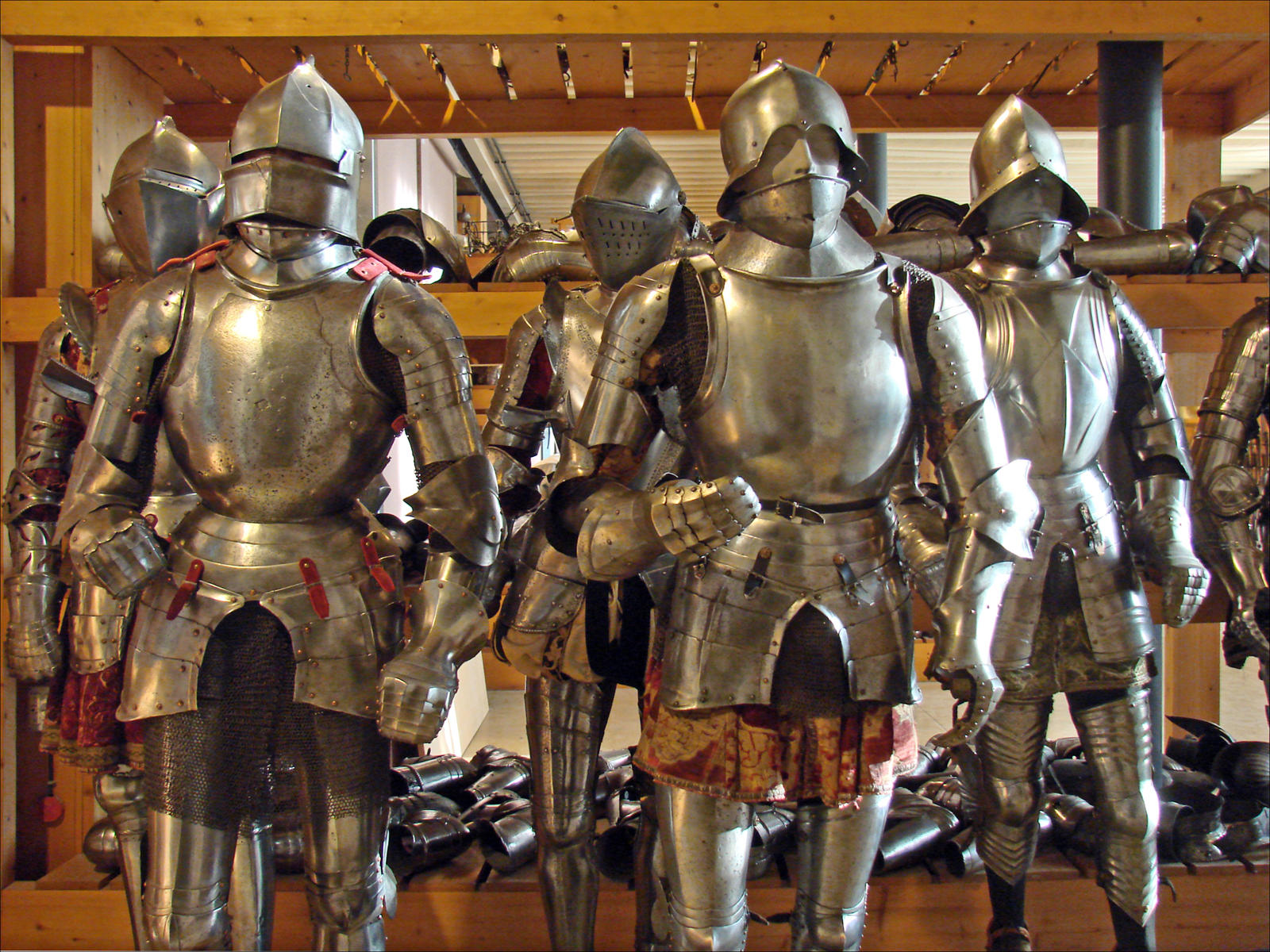 часто как правильно одевать рыцарские доспехи фото плюс